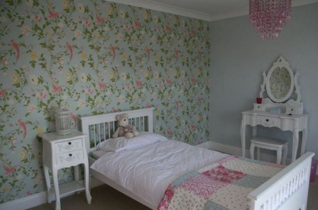 bedroom wall papered